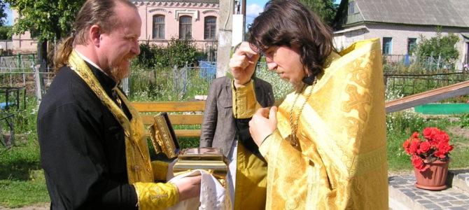 В Свято-Троицкий кафедральный собор г.Невеля прибыл ковчег с частицей мощей святой блаженной Матроны Московской.