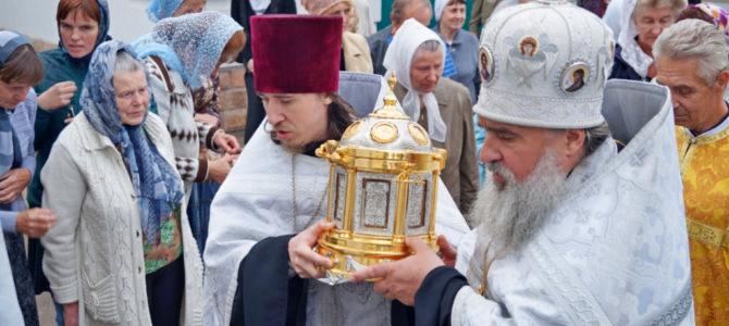 В собор Святой Троицы г.Невель прибыл ковчег с мощами святого благоверного князя Александра Невского.