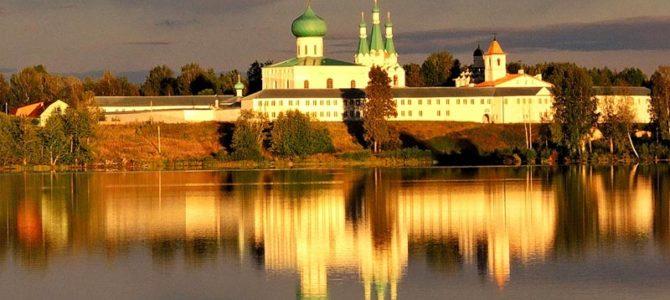 Прихожане кафедрального собора Святой Троицы посетили Александро-Свирский мужской монастырь.
